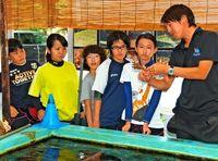 サンゴの植えつけ体験 こども環境調査隊