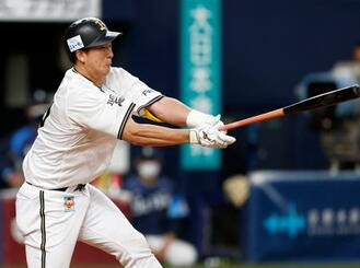 9回オリックス2死三塁、杉本が左前にサヨナラ打を放つ=京セラドーム