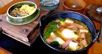 野菜に軟骨ソーキがゴロゴロ入った攻めのみそ汁 金武町金武「チューリップ」