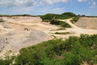 宮古島の陸上自衛隊配備で防衛省が検討を進めている採石場=7月14日、宮古島市城辺保良