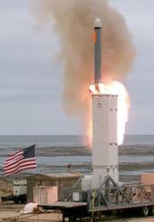 米サンニコラス島で行われた地上発射型巡航ミサイルの発射実験=18日(米国防総省提供)