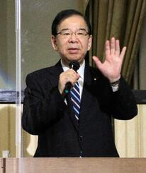 講演する共産党の志位委員長=15日午後、東京都千代田区