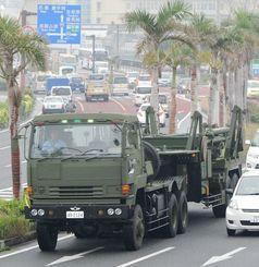2012年、那覇市内を移動する自衛隊PAC3部隊の車両