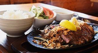 ボリューム満点の「リブステーキ定食(300グラム)」