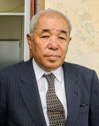 國場幸一郎氏