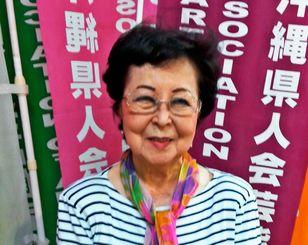 箏曲の普及に励む照屋勝子さん=ロサンゼルス郊外ガーデナの北米沖縄県人会館