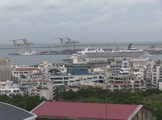 今日那覇に寄港しているクルーズ船は「飛鳥Ⅱ」です。